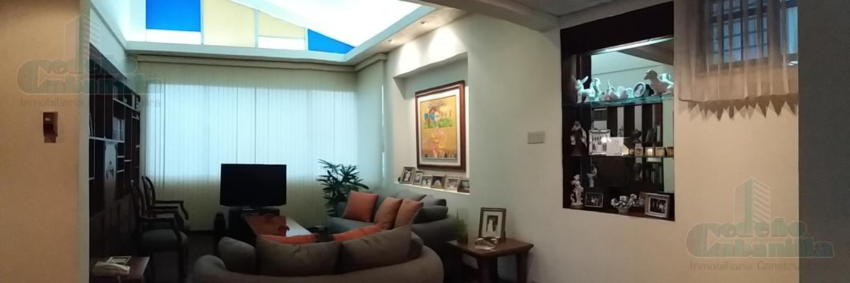 Foto Casa en Venta en  Norte de Guayaquil,  Guayaquil  VENTA DE AMPLIA VILLA CON VISTA AL ESTERO