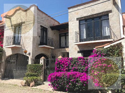 Foto Casa en Venta en  Fraccionamiento Manantiales del Prado,  Tequisquiapan  En pleno corazón de Tequisquiapan
