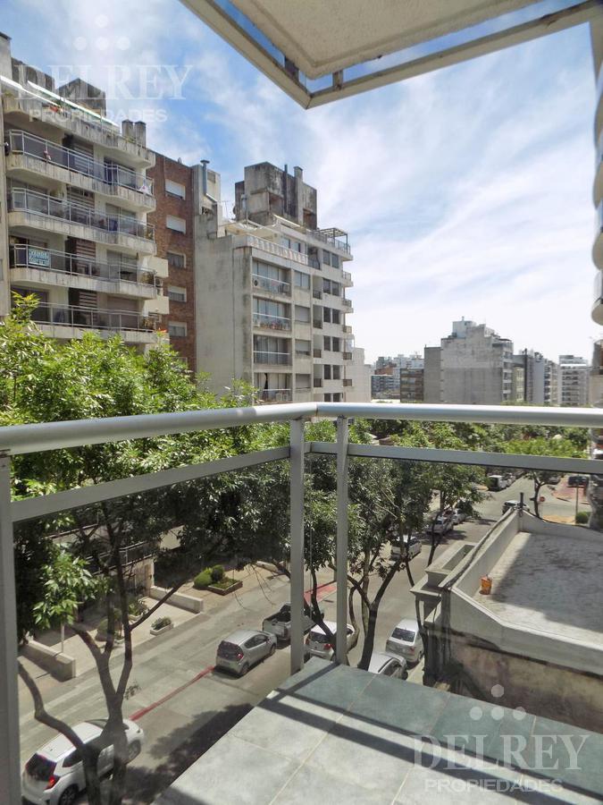 Foto Departamento en Alquiler en  Pocitos ,  Montevideo  26 de Marzo y Barreiro Aprox