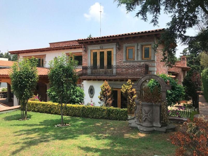 Foto Casa en Renta en  Club de Golf los Encinos,  Lerma  Casa Mexicana tradicional en fairway