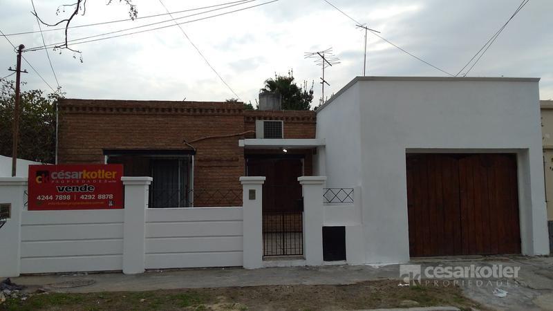 Foto Casa en Venta en  Temperley Este,  Temperley  Condarco 972
