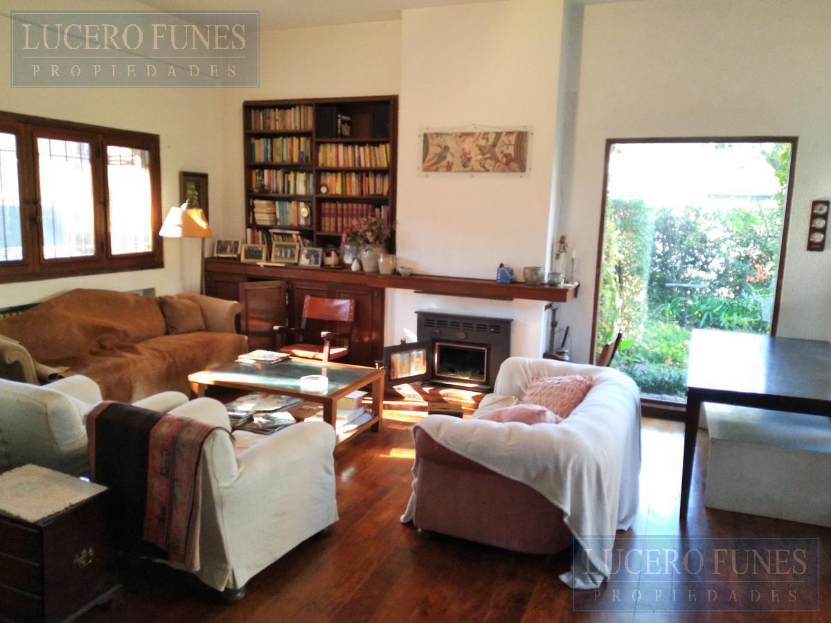 Foto Casa en Venta en  Las Lomas-Santa Rita,  Las Lomas de San Isidro  CARLOS TEJEDOR N° 680, San isidro