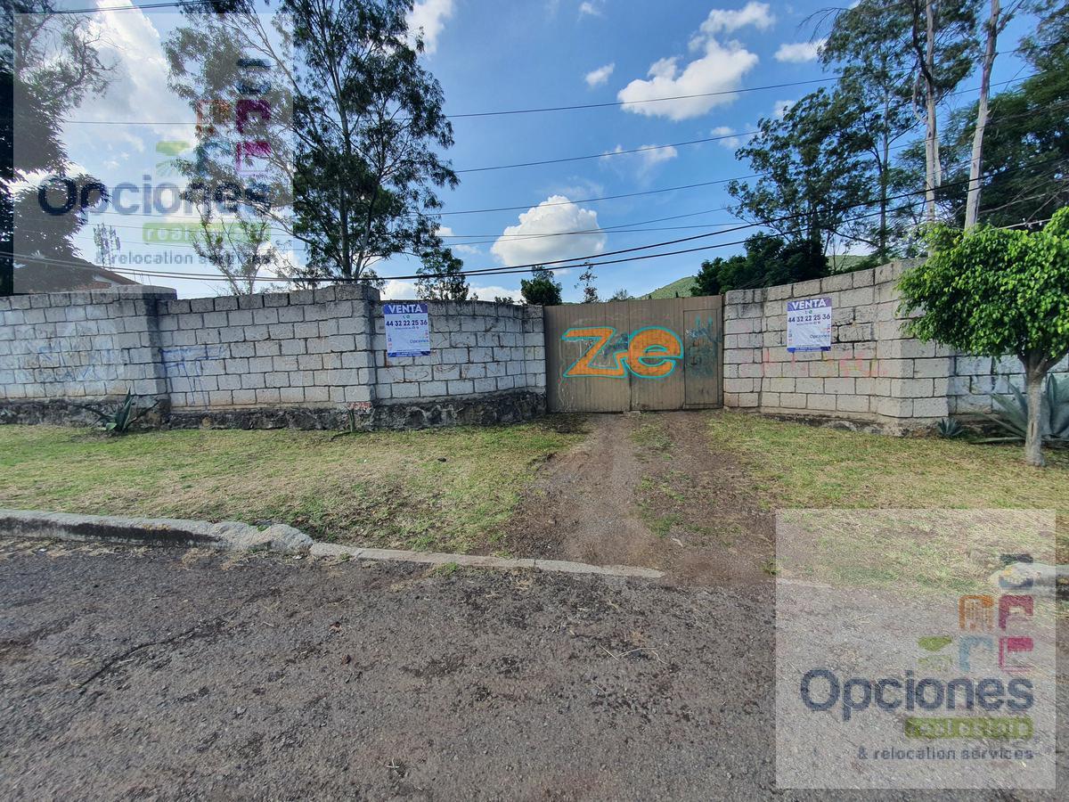 Foto Terreno en Venta en  Morelia ,  Michoacán  Terreno en venta sobre carretera a Quiroga