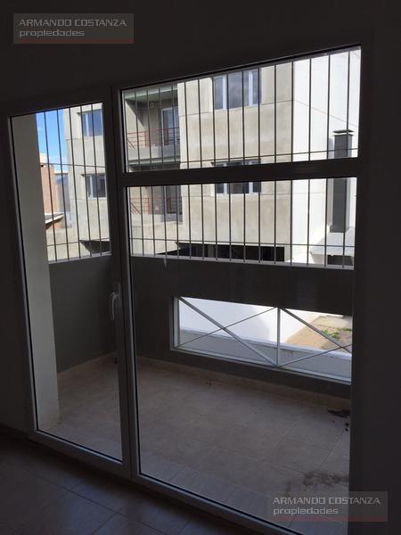 Foto Departamento en Venta en  Puerto Madryn,  Biedma  CASTELLI 356