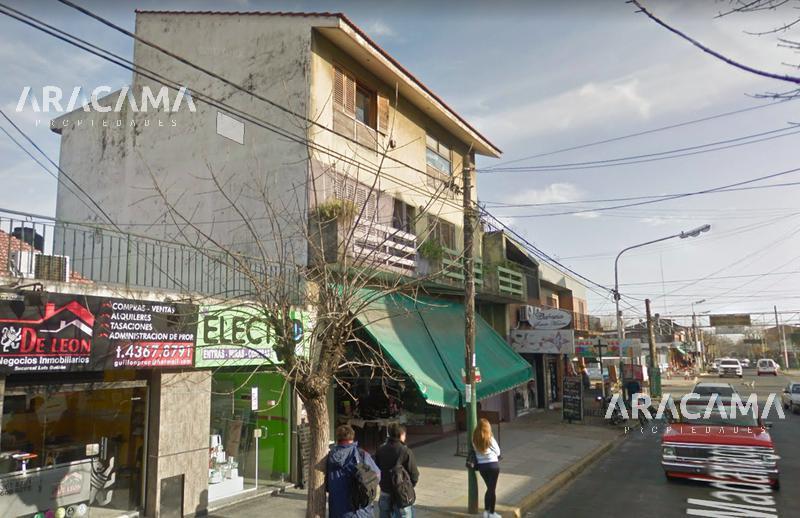 Foto Local en Venta en  Luis Guillon,  Esteban Echeverria  Madariaga 49