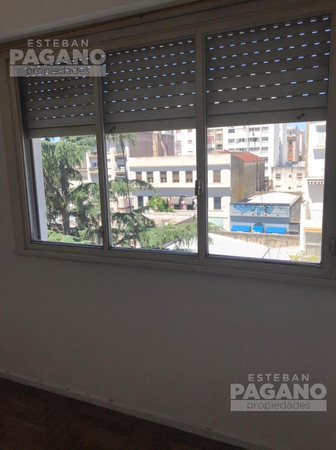 Foto Departamento en Venta en  La Plata,  La Plata  48 e 8 y 9 N° 686