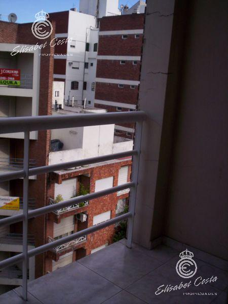 Foto Departamento en Alquiler en  Lanús Oeste,  Lanús  Riobamba 91 7º piso