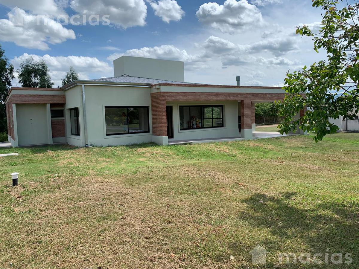 Foto Casa en Venta en  Los Nogales,  Tafi Viejo  Club de Campo Los Nogales