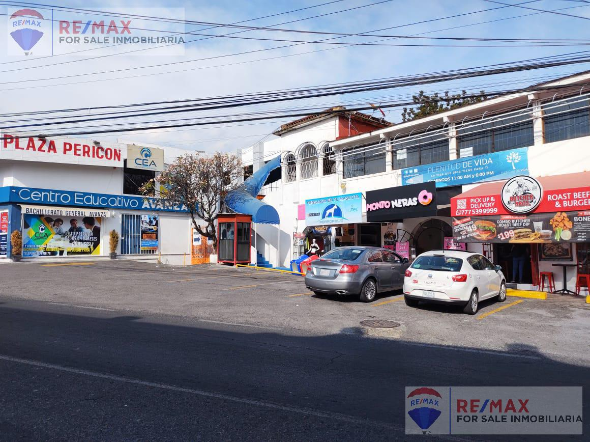 Foto Local en Renta en  Miraval,  Cuernavaca  Renta de local en plaza Pericón Cuernavaca, Morelos…Clave 3376