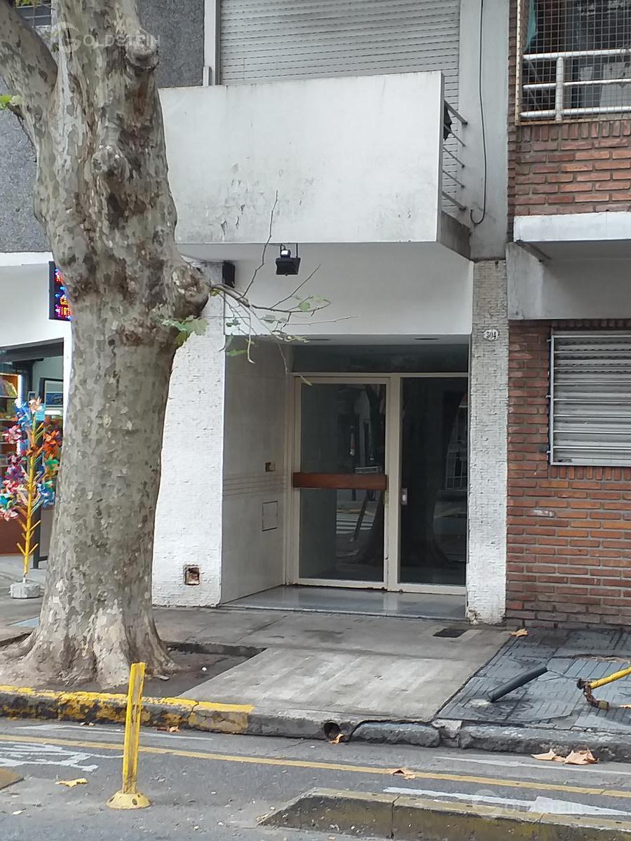 Foto Departamento en Alquiler en  Almagro ,  Capital Federal  BILLINGHURST al 300