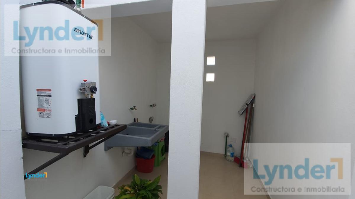 Foto Casa en Venta en  Real de Juriquilla,  Querétaro  EXCLUSIVA RESIDENCIA EN VENTA EN CASCADA DE LAS FLORES, REAL DE JURIQUILLA. QUERÉTARO.