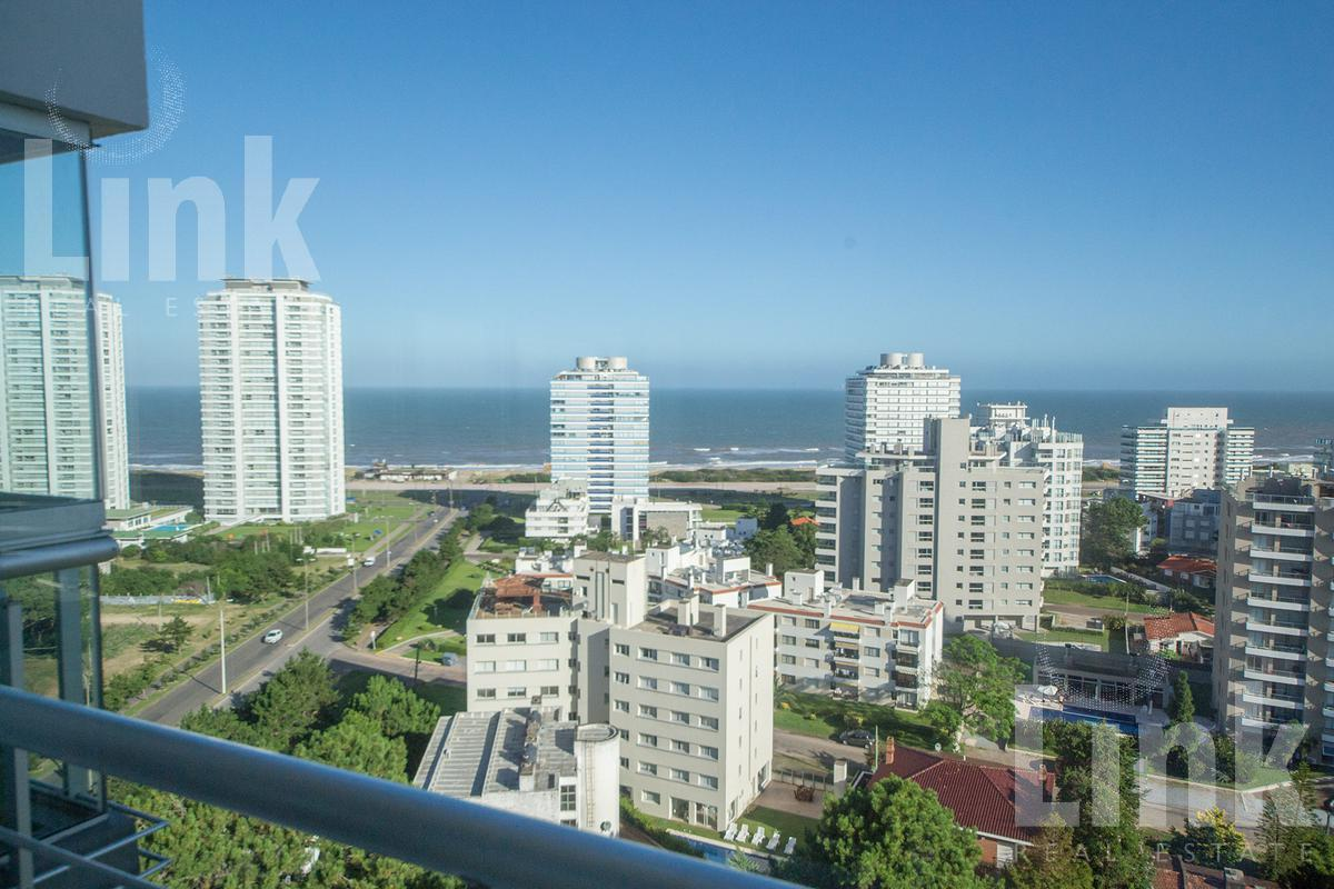 Foto Apartamento en Venta en  Playa Brava,  Punta del Este  Playa Brava