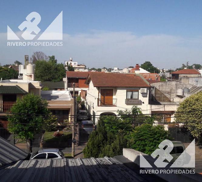 Foto PH en Venta en  Moron Sur,  Moron          Gral Luis Maria Campos  700 1°