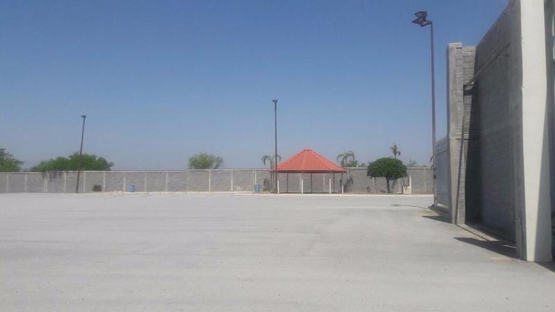 Foto Bodega Industrial en Venta en  Alianza,  Ciénega de Flores  Bodega Industrial y/o Comercial