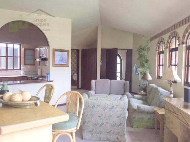 Foto Casa en condominio en Venta en  Lomas de Tecamachalco,  Huixquilucan  Casa en venta de 2 niveles el Lomas de Tecamachalco.
