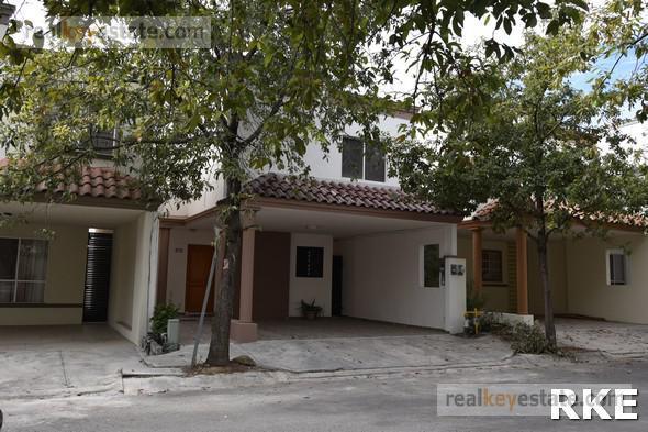 Foto Casa en Renta en  El Sabino Cerrada Residencial,  Monterrey  Casa AMUEBLADA en Renta en El Sabino, Carretera Nacional, Monterrey