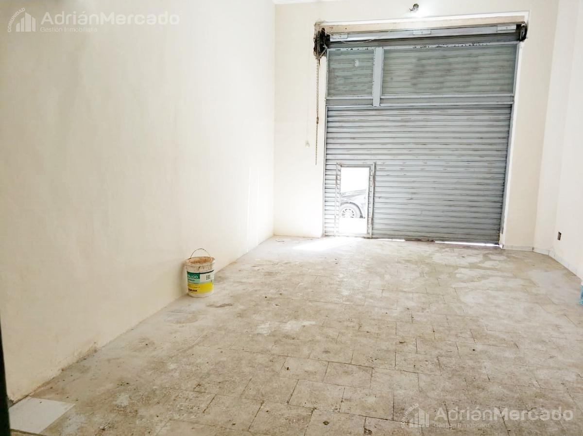 Foto Local en Alquiler | Venta en  Balvanera ,  Capital Federal  Lavalle al 2700