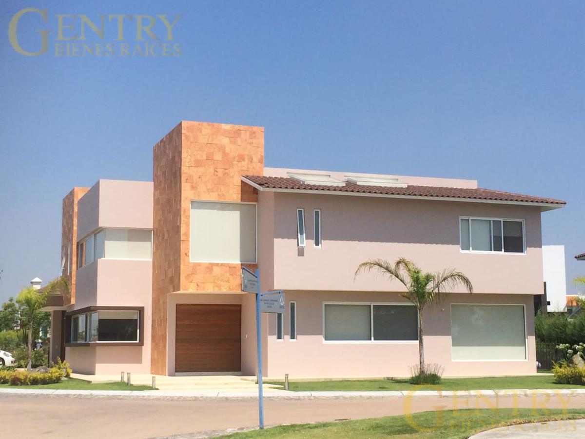 Foto Casa en Renta en  Fraccionamiento El Campanario,  Querétaro  Excelente Residencia en Renta