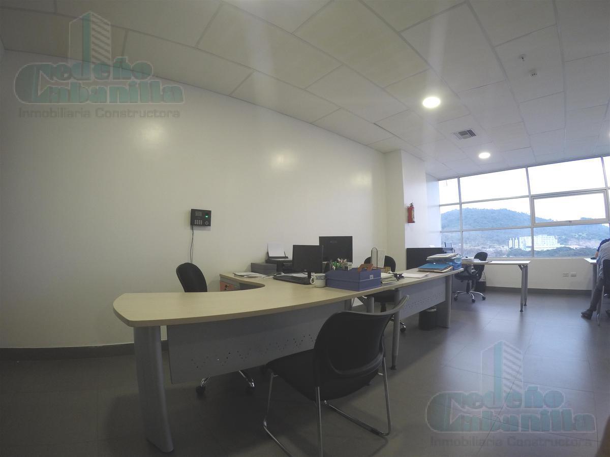Foto Oficina en Venta en  Norte de Guayaquil,  Guayaquil  VENTA DE OFICINA EN AVENIDA LEOPOLDO CARRERA