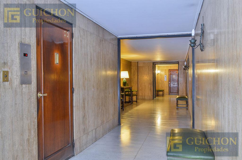 Foto Departamento en Alquiler en  Recoleta ,  Capital Federal  Av. Alvear al 1600 PB