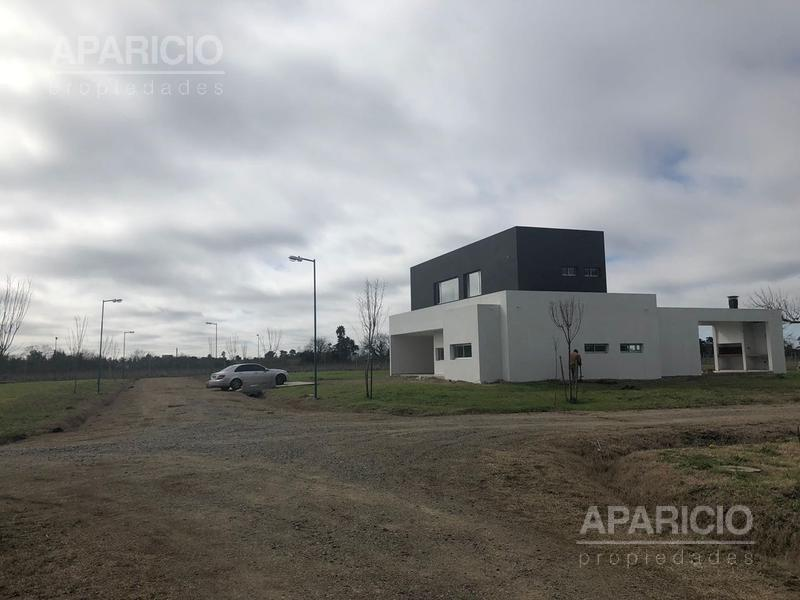 Foto Casa en Venta en  City Bell,  La Plata  467 entre 138 y 141