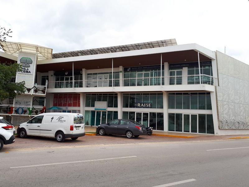 Playa del Carmen Local for Alquiler scene image 1