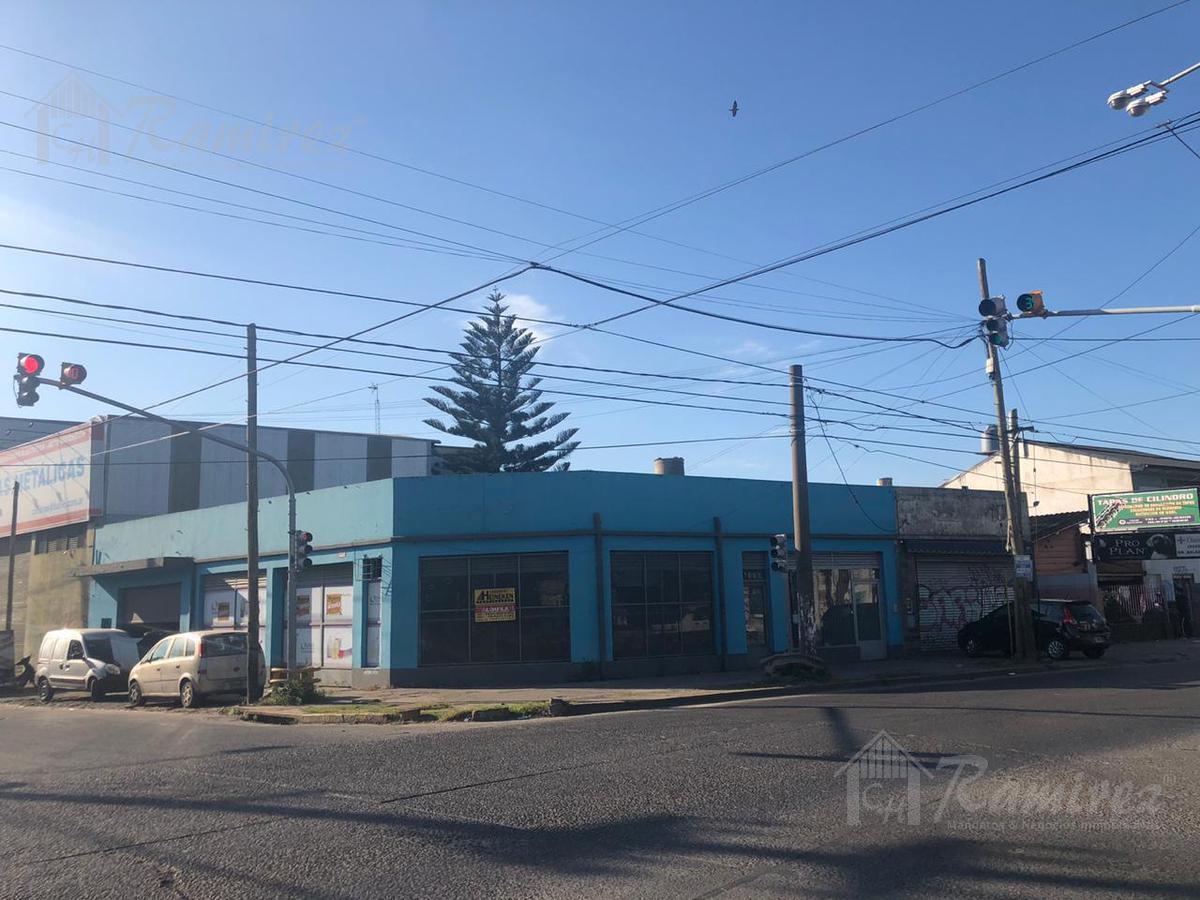 Foto Local en Alquiler en  Merlo ,  G.B.A. Zona Oeste  RP 40 al 1400