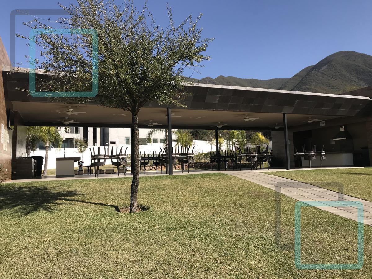 Foto Casa en Venta en  Encinos del Vergel,  Monterrey  CASA EN VENTA ENCINOS DEL VERGEL ZONA CARRETERA NACIONAL MONTERREY