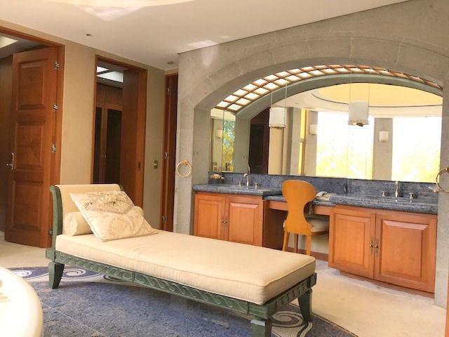 Foto Casa en condominio en Venta en  Bosques de las Lomas,  Cuajimalpa de Morelos  Casa en venta en Bosques de las Lomas con 3 recamaras y jardín.