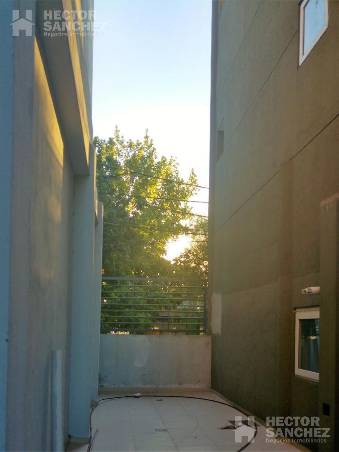 Foto Departamento en Venta en  Moron Sur,  Moron  Casullo 100