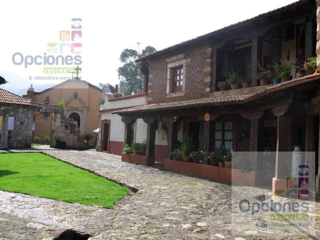 Foto Edificio Comercial en Venta en  Morelia ,  Michoacán  HERMOSO HOTEL TIPO HACIENDA EN VENTA A 10 MIN DE PATZCUARO