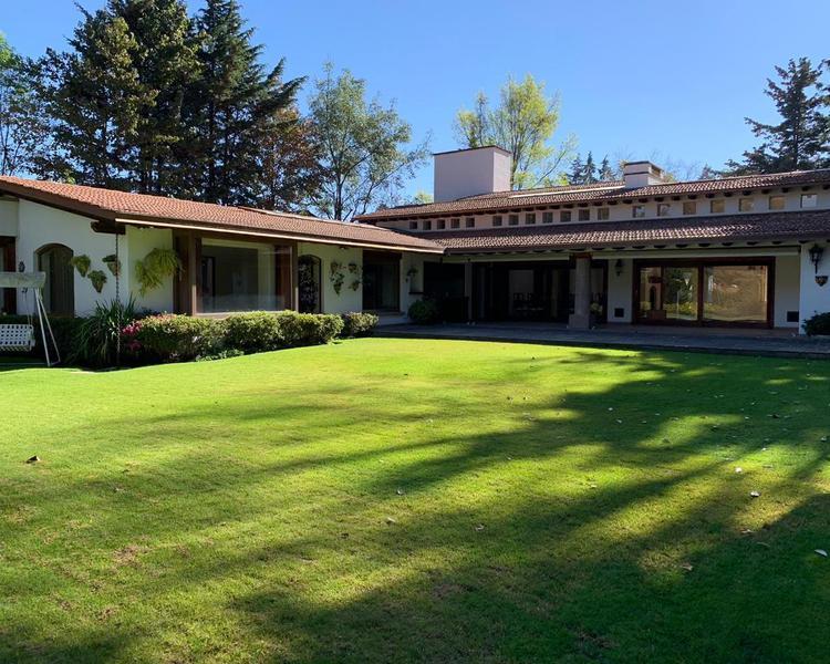Foto Casa en Venta en  San Bartolo Ameyalco,  Alvaro Obregón  Rancho San Francisco - Jardín Espectacular