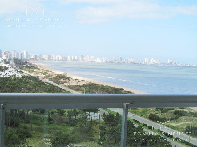 Foto Apartamento en Alquiler en  Playa Mansa,  Punta del Este  Rambla Williman y José Terradel