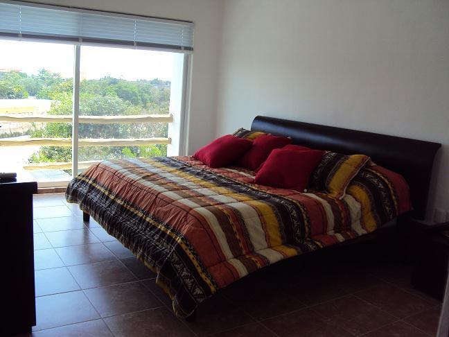 Lagos del Sol Condo for Sale scene image 5