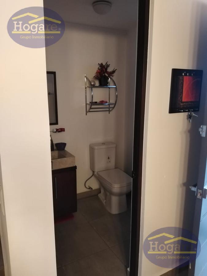 Casa Venta 3 Recámaras con estudio Terreno excedente privada Portón del Valle León Gto