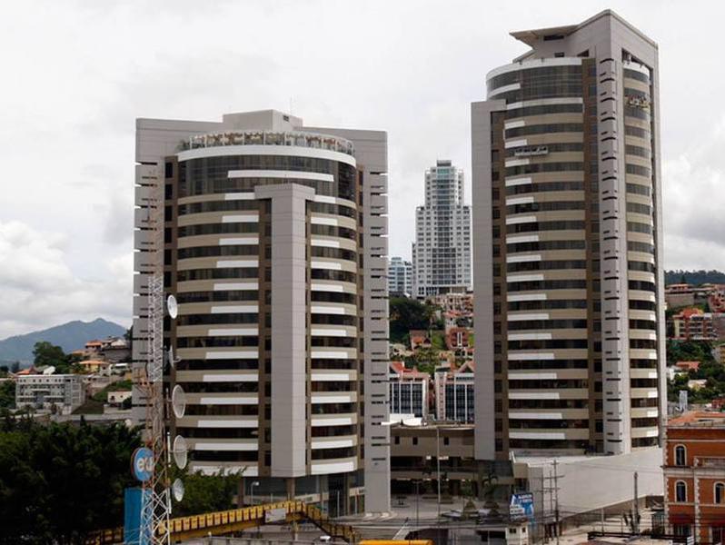 Foto Oficina en Renta en  Boulevard Suyapa,  Tegucigalpa  Metropolis Local Para Oficina Tegucigalpa
