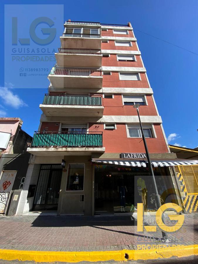 Foto Departamento en Venta en  Berazategui,  Berazategui  148  1200