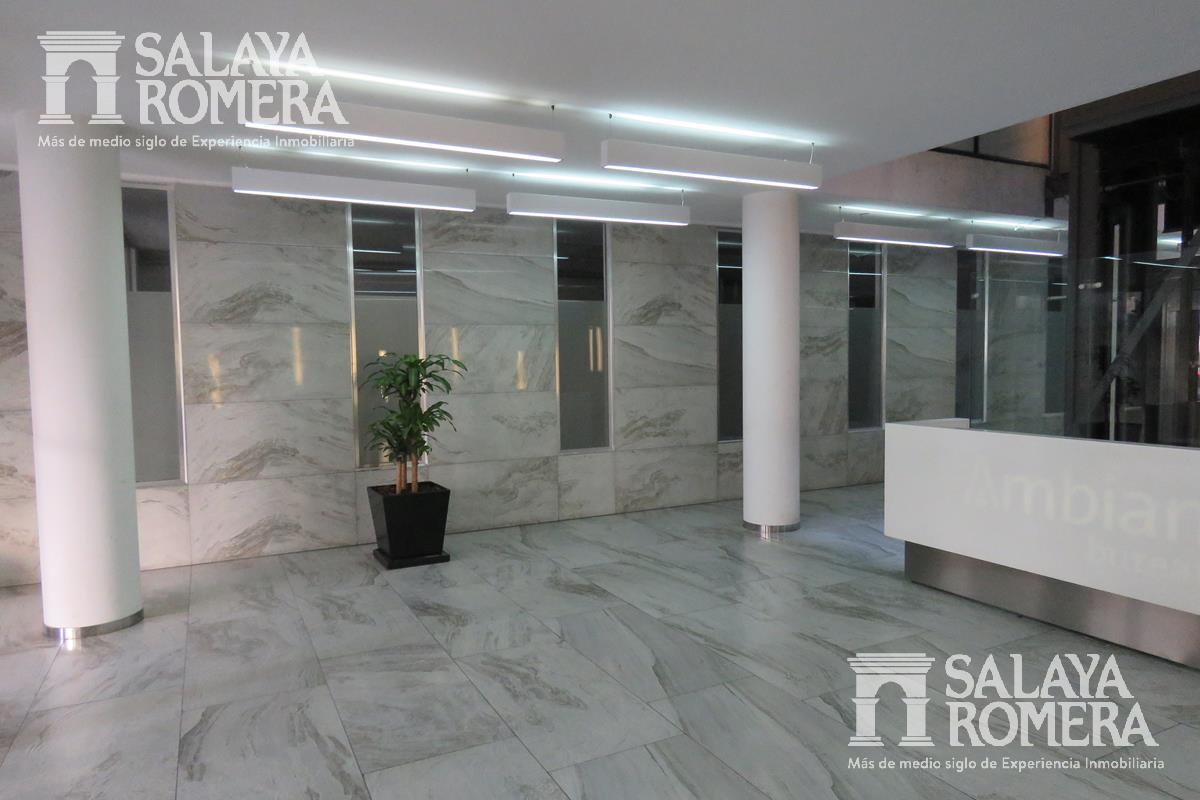 Foto Oficina en Alquiler en  Las Cañitas,  Palermo  Las Cañitas