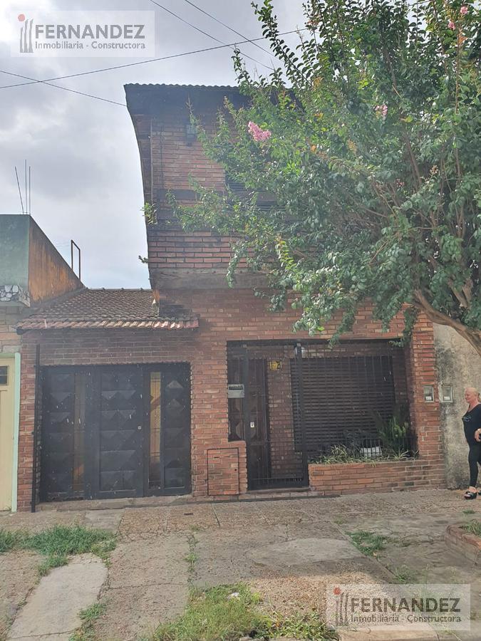 Foto Casa en Venta en  San Andres,  General San Martin  Joaquin v gonzalez al 1300