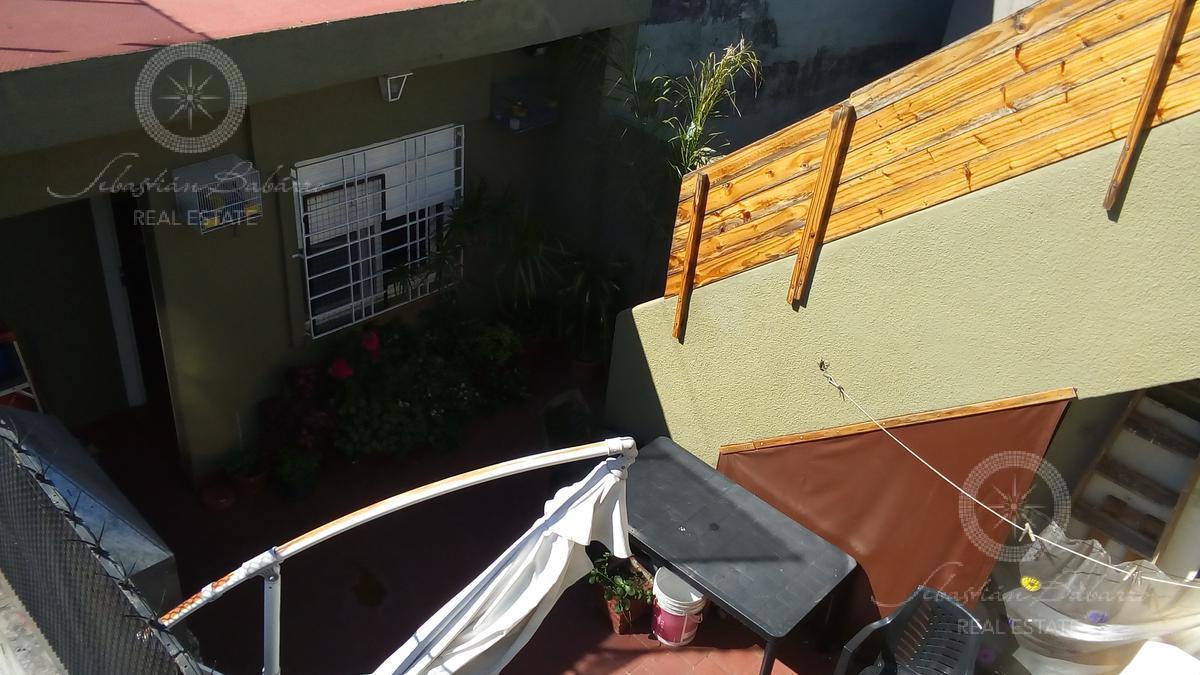 Foto PH en Venta en  Monte Castro,  Floresta  San Blas al 4700