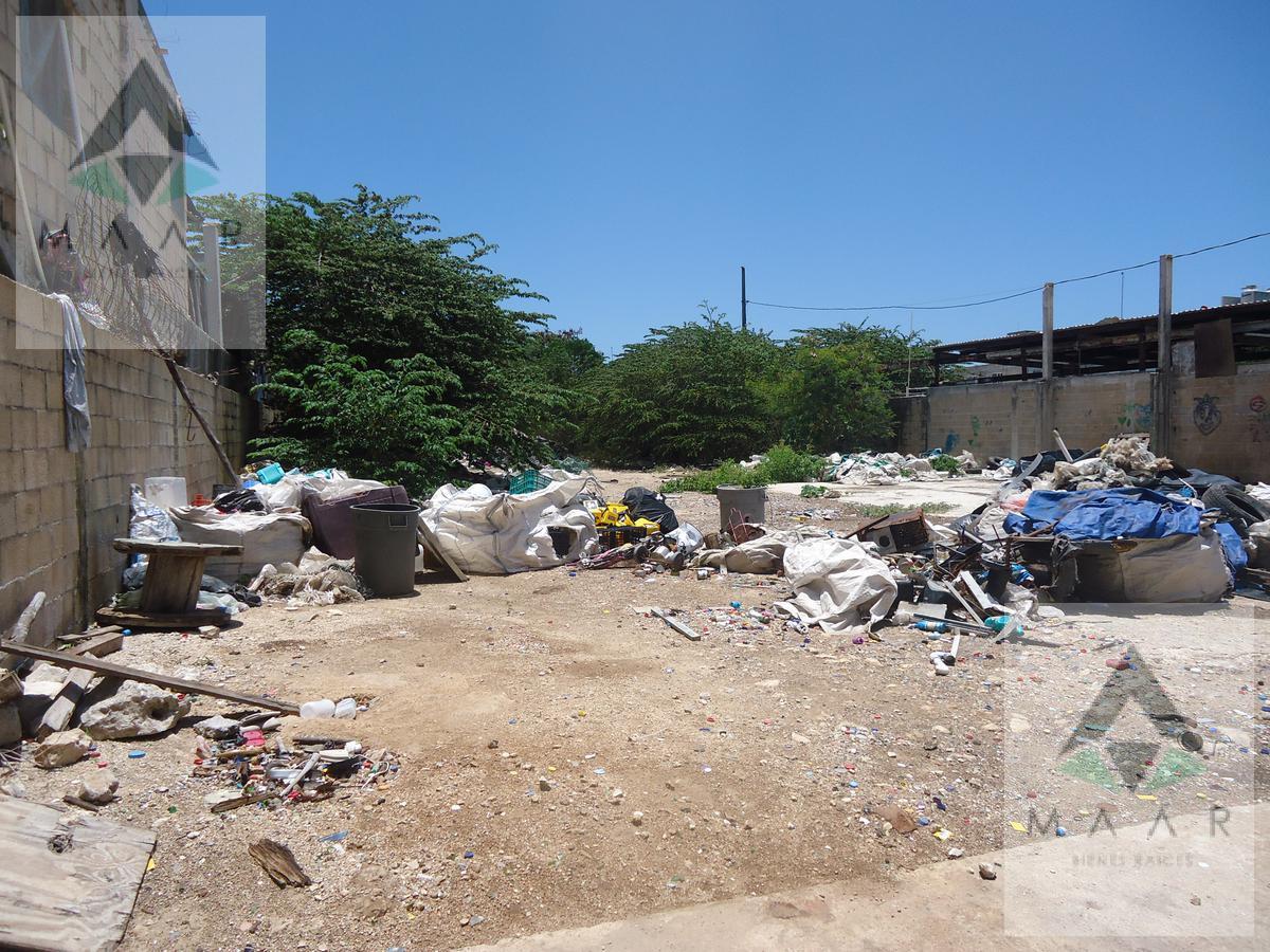 Foto Terreno en Venta en  Cancún,  Benito Juárez  AV RANCHO VIEJO CARRETERA