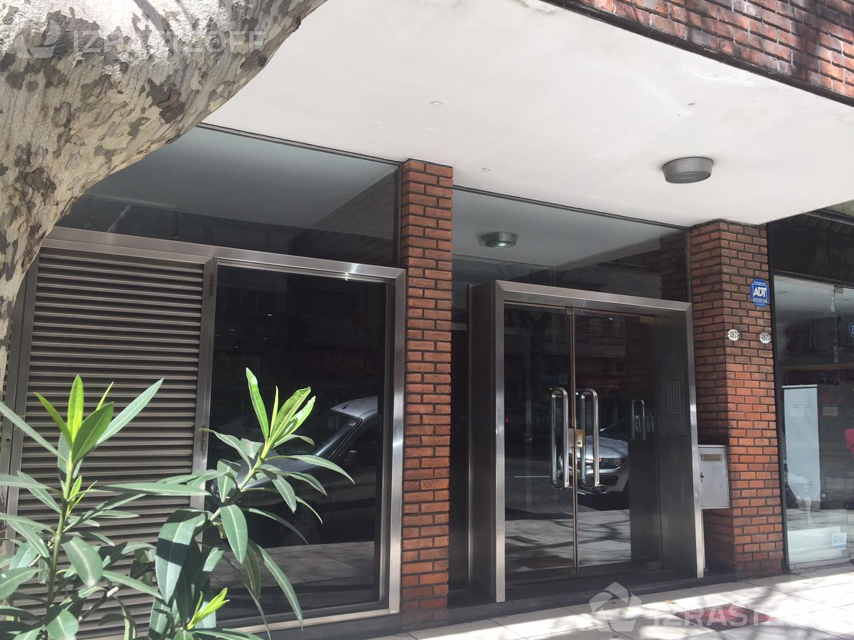 Departamento-Alquiler-Barrio Norte-PUEYRREDON 1900 e/PACHECO DE MELO, JOSE y PENA