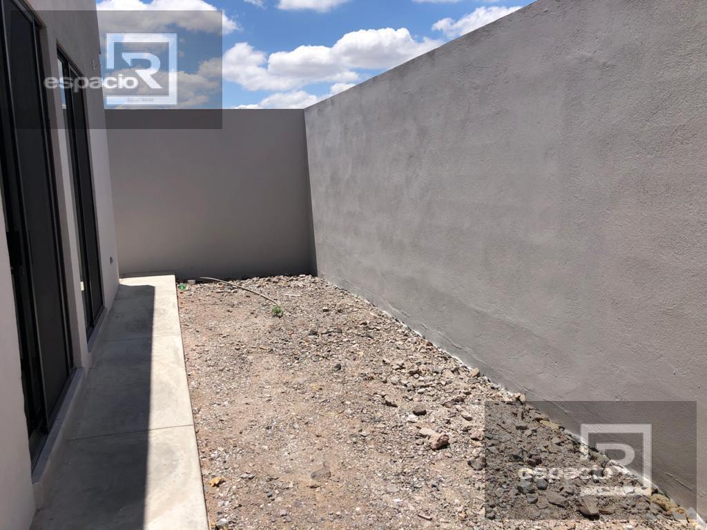 Foto Casa en Venta en  Fraccionamiento Bosques del Valle,  Chihuahua  CASA EN VENTA DE UNA PLANTA DE BOSQUES DEL VALLE