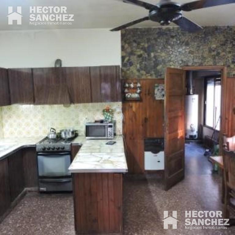 Foto Casa en Venta en  B.Ayerza,  Castelar  Machado al 2200