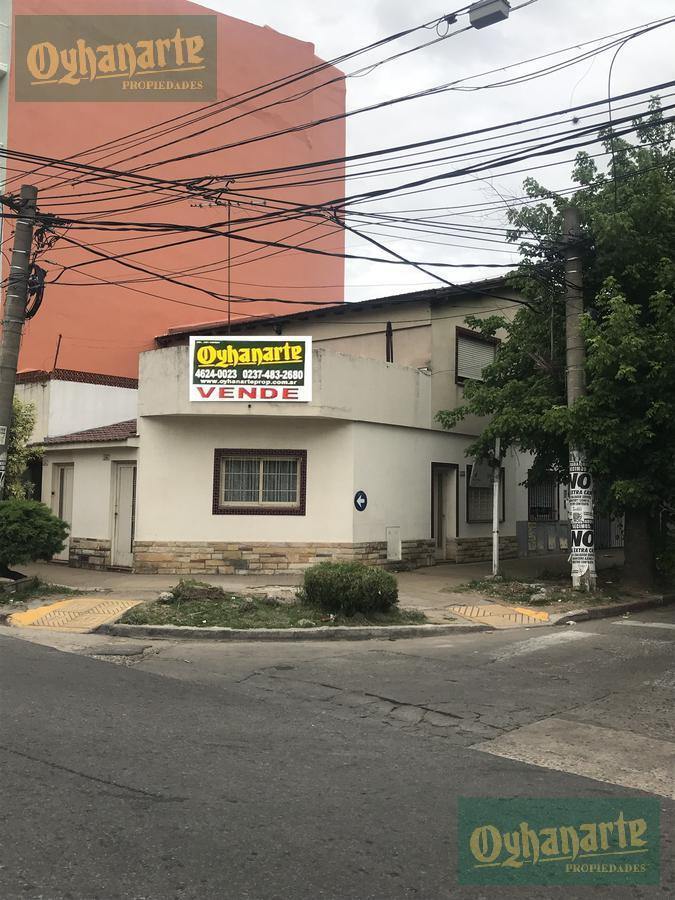 Foto Casa en Venta en  Moron ,  G.B.A. Zona Oeste  La Roche al 200