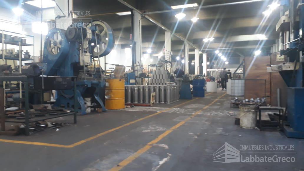 Foto Nave Industrial en Venta | Alquiler en  Caseros,  Tres De Febrero  Belgrano al 3200