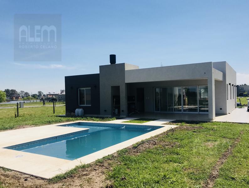 Foto Casa en Venta en  Countries/B.Cerrado,  San Vicente  Santo Domingo Barrio Cerrado Lote 34