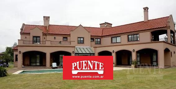 Foto Casa en Venta en  San Eliseo Golf & Country,  Countries/B.Cerrado  San Eliseo con  4 suites en Doble Lote!