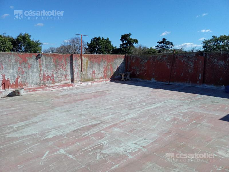 Foto Galpón en Venta en  Temperley,  Lomas De Zamora  Cerrito 1180