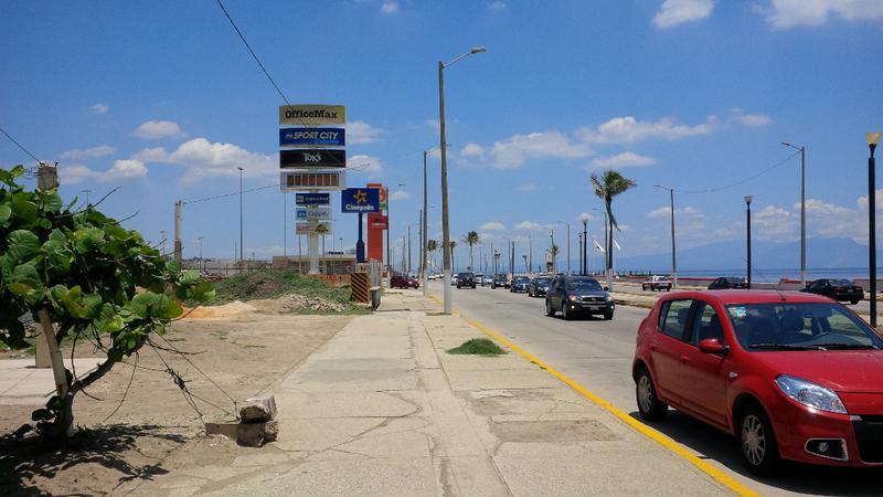 Foto Terreno en Renta en  Playa de Oro,  Coatzacoalcos  Terreno Comercial. Av. John Spark, Col. Playa de Oro.